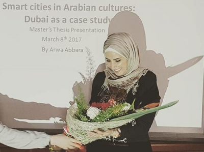 Arwa presenting her Master´s Thesis