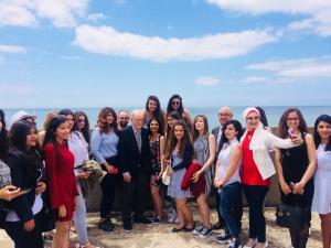 Defense Minister Meets Syrian Students